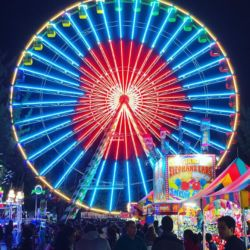 Santa's Sky Eye Ferris Wheel Heart